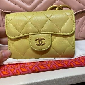 SOLD❌❌Yellow Chanel card case